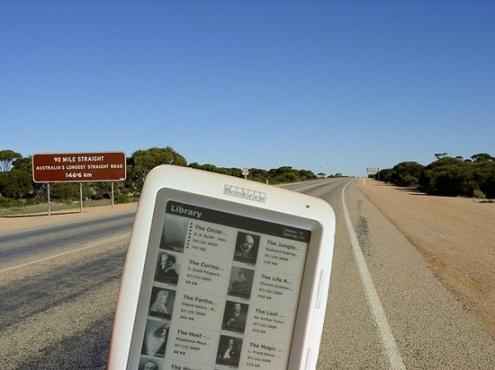 Cybook Opus au début de la route la plus longue, en Australie